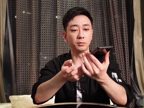 王自健开箱iQOO 3