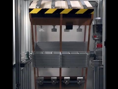 Redmi 红米8 成功挑战300次极限滚筒测试