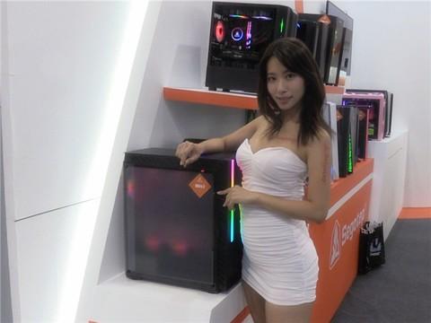 科技早报在台北:超养眼美女助力!鑫谷展台看点不断