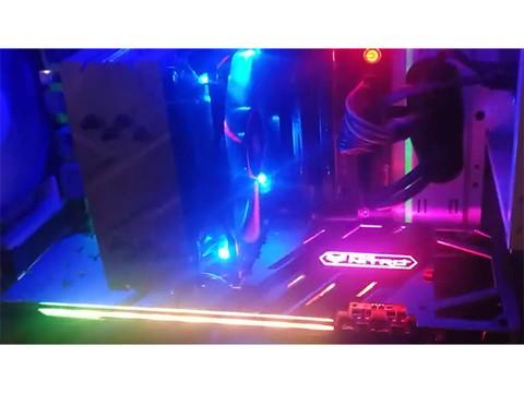 蓝宝石RX 580 2048SP显卡实拍