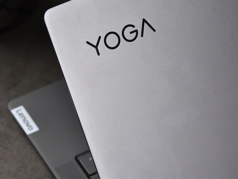 业界首款3D曲面屏 联想YOGA S940开箱