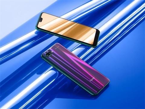 荣耀10测评 极光变色玻璃颜值实力派