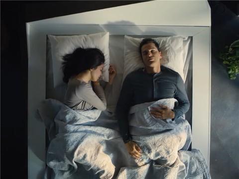 """科技早报:滚床单OUT!会""""滚""""的床垫你见过吗?"""
