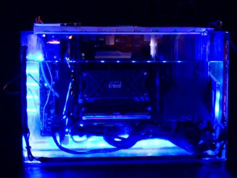装机不求人:零噪音的油冷主机是个什么鬼?