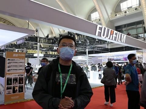 2021 CHINA P&E 富士展臺帶來一億像素中畫幅無反