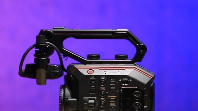 专业摄像新选择 松下AU-EVA1摄像机